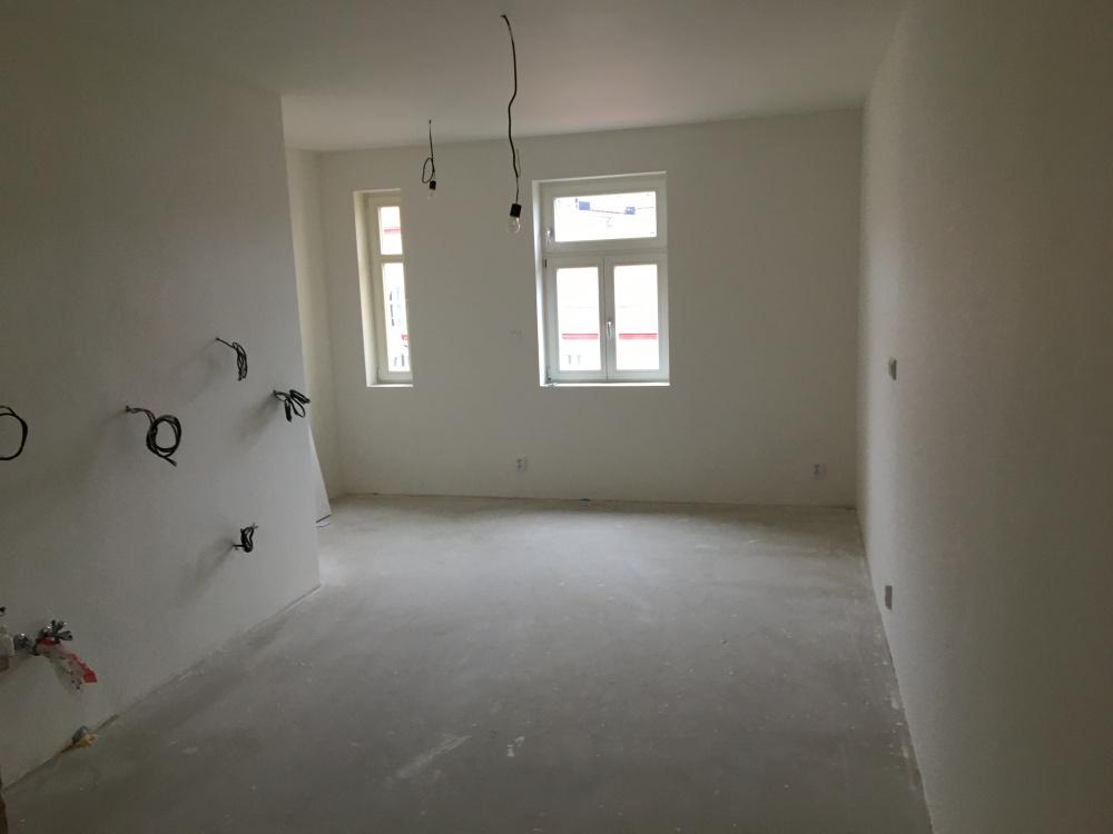 Obývací pokoj - půdní vestavba Čajkovského 25
